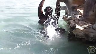 Chubby ebony hooker in the ocean--_short_preview.mp4