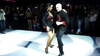 Latin couple dances in public for a big audience--_short_preview.mp4