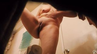 Luscious neighbor smears the cream all over her body--_short_preview.mp4