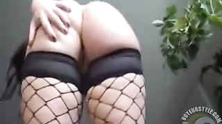 Large-breasted lady stimulates her dripping wet vagina--_short_preview.mp4