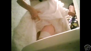 Beautiful bride pees before her wedding--_short_preview.mp4