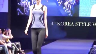Hot models wearing the new yoga outfit collection--_short_preview.mp4
