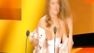 Famous lady has some problems with her dress--_short_preview.mp4