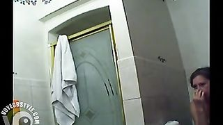 Bubble butt amateur makes water before her shower--_short_preview.mp4