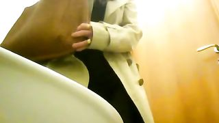 Old lady urinates over the toilet like a man--_short_preview.mp4