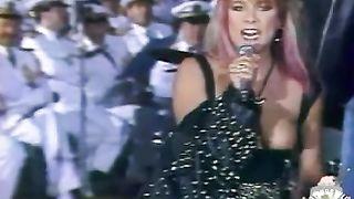 Samantha Fox nipple slip during a concert--_short_preview.mp4