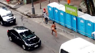 Shameless Brazilian woman urinates in the middle of the road--_short_preview.mp4