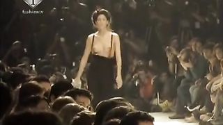 Supermodels show their naked tits on the runway--_short_preview.mp4