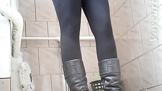 Blonde sweetie in black thermal pants gets her pussy caught on spycam--_short_preview.mp4