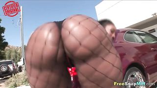 Ebony Jiggles Her Booty in Public--_short_preview.mp4