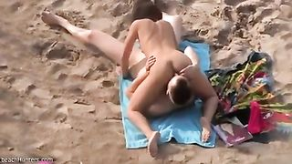 69 position on the beach! Awesome sixty nine position of amateur beach couple taped on my cam--_short_preview.mp4