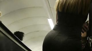 Marvelous Arab blonde milf babe in tight dress walking on the street--_short_preview.mp4