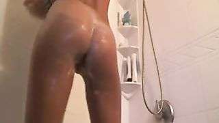 My perfect girlfriend is foaming her body in the shower--_short_preview.mp4