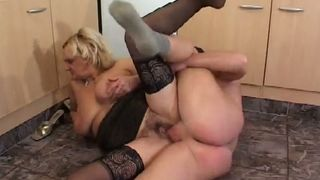 Hungry mature slut with saggy boobs lets her lover spoon her--_short_preview.mp4
