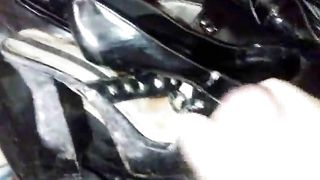 Masturbating on my wife's girlfriend's black high heels shoes--_short_preview.mp4