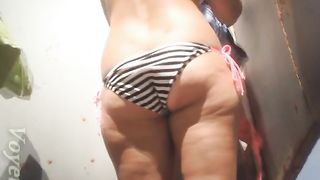 Curvaceous and delicious white amateur lady in sexy bikini--_short_preview.mp4