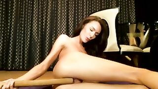 Astonishing and sexy long legged white strumpet on webcam--_short_preview.mp4