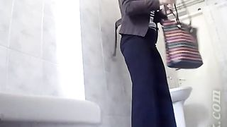 Pale skin stranger brunette babe pulls down her pants and shows her ass--_short_preview.mp4