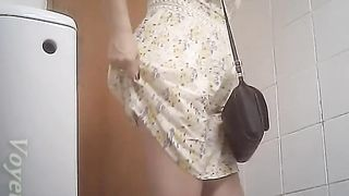 White chick in sexy summer dress pissed in the restroom--_short_preview.mp4