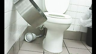Chunky black amateur woman in the public restroom on cam--_short_preview.mp4