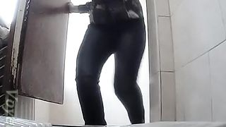 Lovely thick round booty of a stranger white girl filmed closeup on hidden cam--_short_preview.mp4