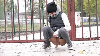 All natural svelte chick gets cold and pisses outdoors right away--_short_preview.mp4