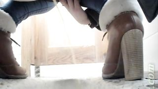 Sweet chick in tight jeans flashes her pussy while pissing--_short_preview.mp4