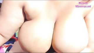 This Latina woman is big beautiful and horny and she loves camming--_short_preview.mp4