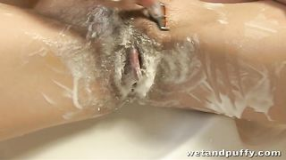 This babe knows how to get herself off with the shower head in the shower--_short_preview.mp4