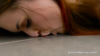 Every single peeing scene of hers is incredible and this babe looks great--_short_preview.mp4