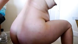 Amateur pregnant camgirl showing big ass on webcam--_short_preview.mp4