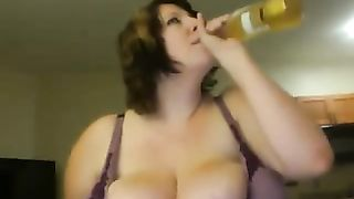 Skillful busty BBW babe shows how she uses her knockers--_short_preview.mp4