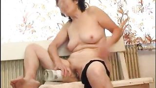 Orgasm craving mature slut puts a bottle to a good use--_short_preview.mp4