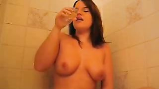 My frisky BBW girlfriend pokes her wet pussy with champagne bottle--_short_preview.mp4
