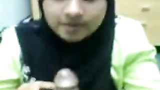 Shy Malay office lady in hijab blows my dick on cam--_short_preview.mp4