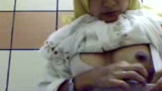 This exotic middle Eastern camgirl loves showing her private parts--_short_preview.mp4