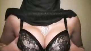 Smoking hot charmer takes off her bra to expose her big boobs--_short_preview.mp4
