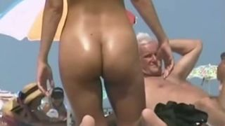 Gorgeous babe with well-rounded butt caught my attention--_short_preview.mp4