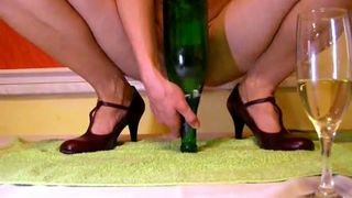 Perverted amateur anon dirty crazy whore used huge bottle to drill her slit--_short_preview.mp4