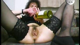 Insane brunette mature whore masturbates with bottle--_short_preview.mp4