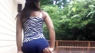 This hottie has an ass that's begging for attention and she loves to shake it--_short_preview.mp4