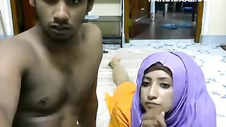 Sexy Muslim cam couple making out on webcam--_short_preview.mp4