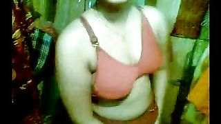 Amateur kinky Indian girl didn't mind to expose her kinky nice boobs--_short_preview.mp4