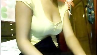 Torrid Indian cute webcam teen exposed her extremely bushy pussy--_short_preview.mp4