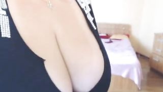 I am super into this webcam model's humongous boobs--_short_preview.mp4