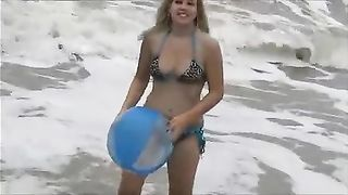 Awesome blonde GF of my buddy was taped while wandering along the beach--_short_preview.mp4