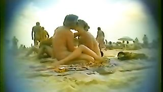 Voyeur sex video with a naughty couple on the beach of Cap d'Agde--_short_preview.mp4