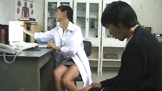Sizzling hot Japanese doctor flashing tits on cam to her patient--_short_preview.mp4